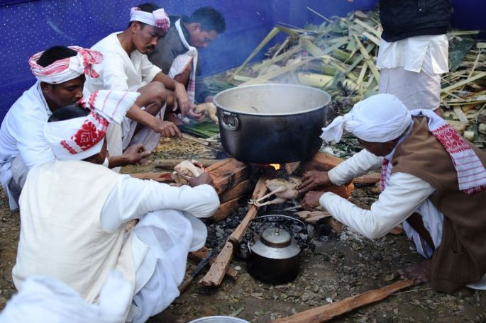 Ahom Tribe Assam, Ahom Kingdom Assam, Sivasagar Ahom Kingdom, Me Dam Me Phi Festival